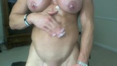 Deliciously Ripped Muscle MILF Redhead Shows Us Off Her Fucktastic Body On Cam