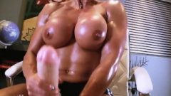 Enormous Futanari Tool On Muscular Woman