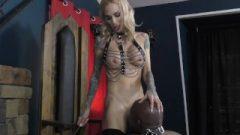 Mistress Sarah Jessie – Interracial Femdom – Ass-Hole Idolization & Foot Idolization